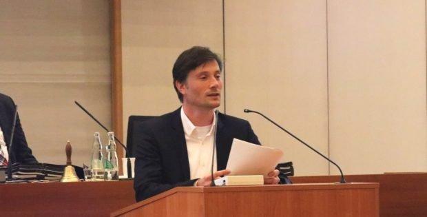 Heiko Rosenthal sagte auch das Verwaltungshandeln zu, sich um eine anonymisierte Kennzeichnung zu bemühen. Foto: L-IZ.de
