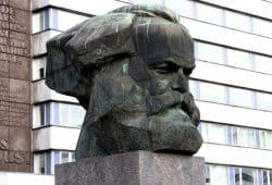 Vor 200 Jahren am 5. Mai 1818 in Trier geboren. Karl Marx (Denkmal in Chemnitz). Foto: L-IZ.de