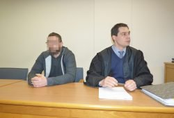 Bestreitet den Mordversuch: Kenneth E. (43, l.) neben seinem Verteidiger Daniel Luderer. Foto: Lucas Böhme