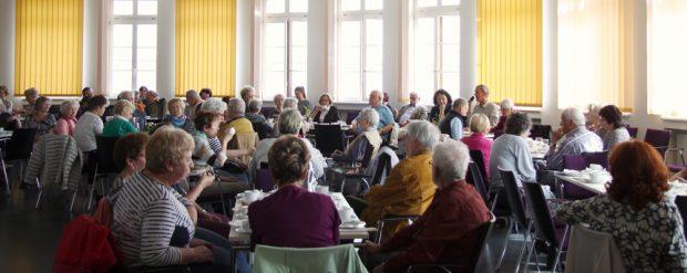 """Das Erzählcafé im April 2018. Foto: Stiftung """"Bürger für Leipzig"""""""