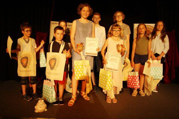 Alle Teilnehmer am Gaggaudebbchen-Wettbewerb 2018. Foto: Ralf Julke