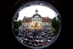 Sommerbühne am Gohliser Schlösschen. Foto: Helga Schulze-Brinkop