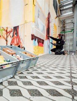 Graffiti-Verein bei der Arbeit. Foto: Stadtwerke Leipzig