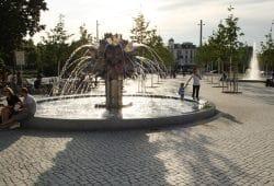 Pusteblumen-Brunnen auf dem Richard-Wagner-Platz. Foto: Ralf Julke