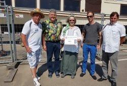Zum Hafenfest konnte der Spendenscheck übergeben werden. Foto: Wasser-Stadt-Leipzig e.V.