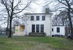 Sieht aus wie Walhalla: Vereinsheim des Kleingartenvereins Ostvorstadt. Foto: Ralf Julke