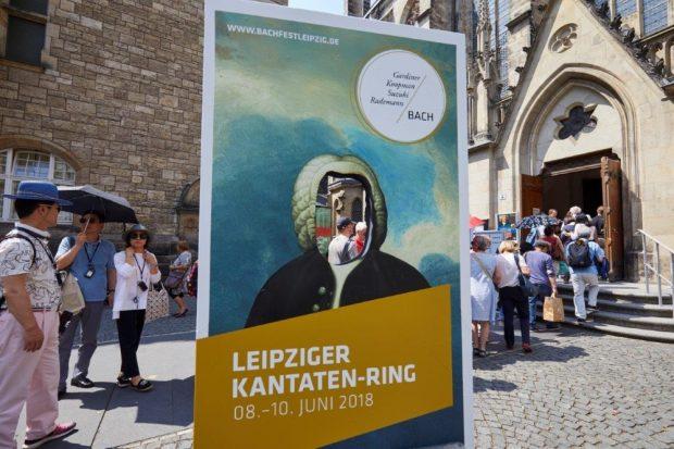 Bachfest Leipzig 2018: Kantaten-Rings-Besucher warten vor der Leipziger Thomaskirche. Foto: Bachfest Leipzig/www.malzkornfoto.de