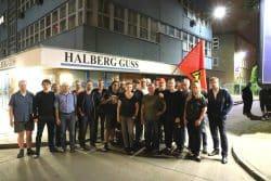 Die SPD Leipzig und Sachsen gemeinsam mit Mitarbeitern der Halber Guss am Freitag 0:30 Uhr. Foto: Michael Freitag
