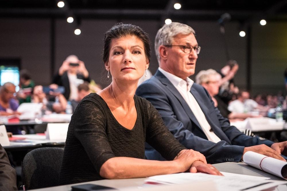 Sarah Wagenknecht hörte stundenlang zu - am Sonntagnachmittag war sie mit ihrer Rede dran und wurde anschließend scharf attackiert. Foto: Tim Wagner