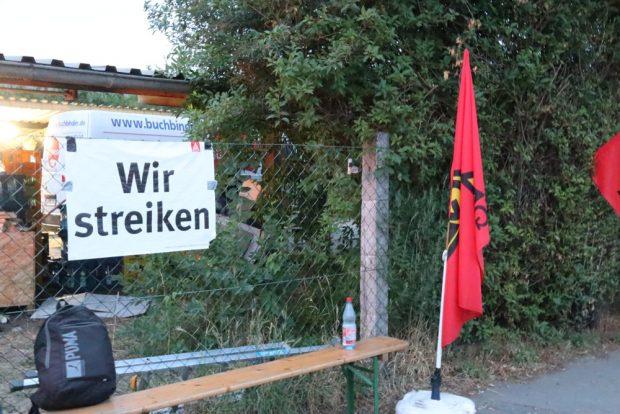 Alle Räder stehen still? Streik an der Merseburger Straße. Foto: Michael Freitag