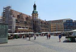 Aktuell zur Sanierung eingerüstet: das Alte Rathaus. Foto: Marko Hofmann