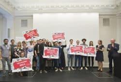 "Preisträger und Jury ""Coding da Vinci Ost 2018"". Foto: Thomas Kademann / Universitätsbibliothek Leipzig"