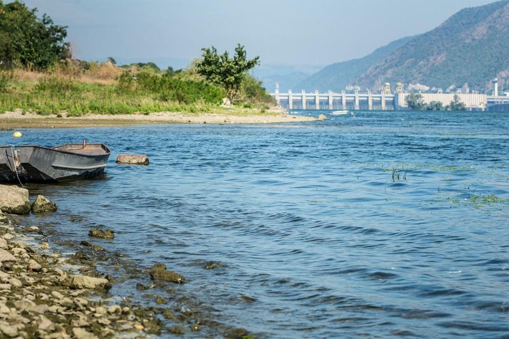 Die Donau ist der zweitgrößte europäische Fluss und wird vom Menschen intensiv genutzt. Sie ist einer der sechs Flüsse, die im Mittelpunkt des EU-Projekts SOLUTIONS stehen. Foto: UFZ / André Künzelmann
