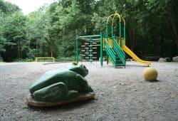 Der neu gestaltete Spielplatz am Marienweg. Foto: Ralf Julke
