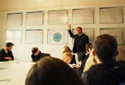 Burkhard Jung erklärt sein Indikatoren-Set. Foto: Ralf Julke