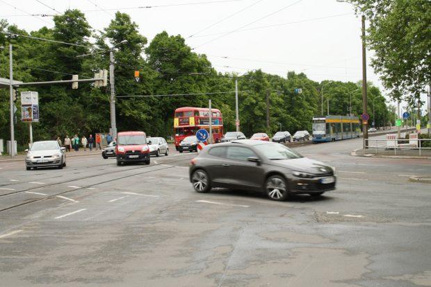 Ecke Jahnallee / Bowmannstraße mit Blickrichtung Cottaweg. Foto: Ralf Julke