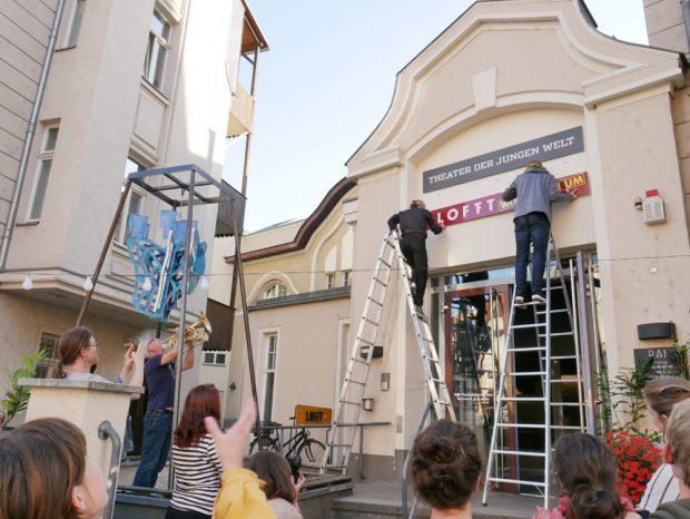 Abschiedsfeier am Lindenauer Markt. Foto: LOFFT