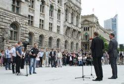 Einweihung des Rathausvorplatzes. Foto: Ralf Julke