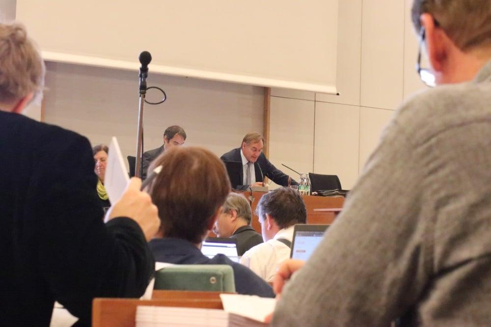 OBM Burkhard Jung (SPD) kündigte schon vor der Abstimmung an, sich beim Kultusminister einzusetzen. Foto: L-IZ.de