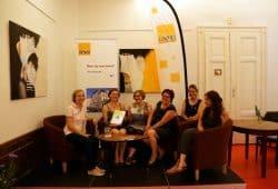 V.l.n.r.: Ines Werner, Janne Dörge, Christina Streit, Brit Steyer, Hana Babaei und Sarah Archoukieh. Quelle: VILLA gGmbH