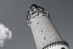 Beliebtes Machtsymbol: der Trutzturm. Foto: Ralf Julke