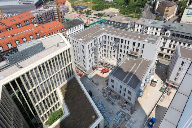 Blick in das Neubauquartier am Wintergartenhochhaus. Foto: LWB, Peter Usbeck