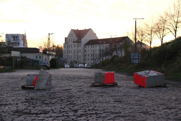 Ein neuer Besitzer legt erst einmal Steine in den Weg. Foto: L-IZ.de