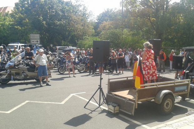 Etwa 50 Personen waren anwesend. Foto: René LochEtwa 50 Personen waren anwesend. Foto: René Loch