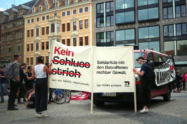 Kein Schlussstrich war das Motto eines deutschlandweiten Aktionstages zur Urteilsverkündung in München. Foto: Luca Kunze