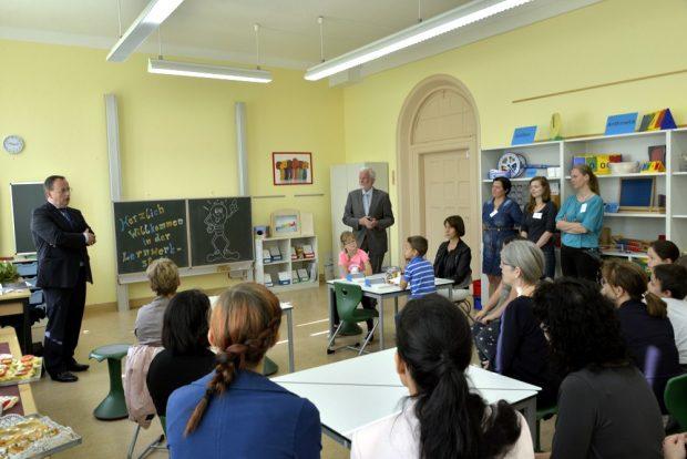 Die Lernwerkstatt an der August-Bebel-Schule mit Wolfgang Gärthe (rechts). Foto: Bernd Görne