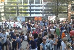 Mehr als 500 Menschen demonstrieren für Seenotrettung im Mittelmeer. Foto: René Loch