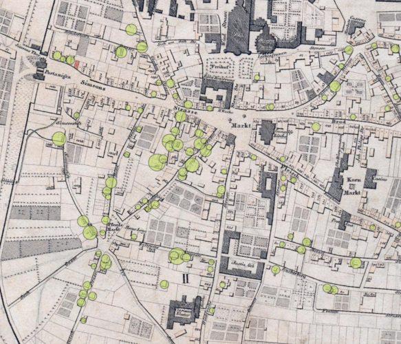 Die grünen Punkte im Stadtplan markieren die Haushalte, die in den Armenlisten geführt sind. Das rot markierte Haus in der Simeonstraße 8 nahe der Porta Nigra ist das Haus, in demKarl Marx seine Jugend verbrachte. Foto: Uni Trier