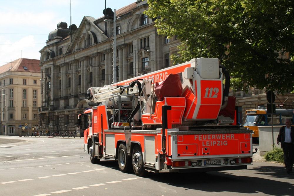 Meist mit Beifahrer unterwegs: Leipzigs Feuerwehrfahrzeuge. Foto: Ralf Julke