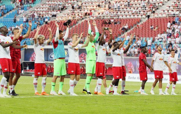 Freude über den souveränen Sieg. Foto: GEPA pictures/Sven Sonntag