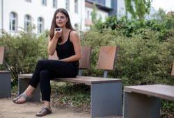 """Aruscha Kramm wurde für ihre Arbeit über """"Barrierefreiheit in mobilen Apps"""" ausgezeichnet. Foto: Robert Weinhold/HTWK Leipzig"""