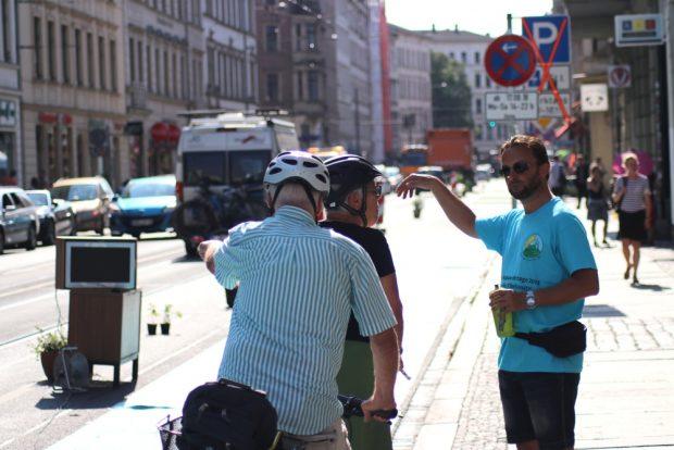 Debatten auf dem Radweg -Sollte es Counter oder Zähler heißen? Foto: Michael Freitag