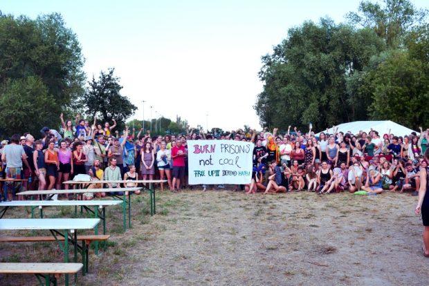 Die Bewohner des Camps in Pödelwitz. Foto: Luca Kunze
