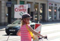 Franziska Riekewald (Linke) meistert Leipzig fast immer mit dem Rad. Foto: Michael Freitag