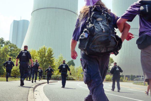 Protest am Kraftwerk Lippendorf 2018: Kohle(er)Setzen. Foto: L-IZ