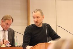 Mathias Weber (Linke) im Stadtrat zu Leipzig. Foto: L-IZ.de