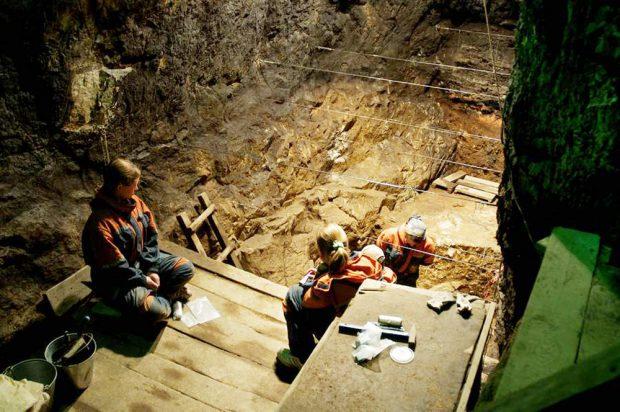 Ausgrabungen in der Denisova-Höhle. Foto: Bence Viola, MPI für evolutionäre Anthropologie