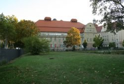 Diese Wiese will Leipzig noch zum Stadtbad dazukaufen. Foto: Ralf Julke