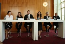 Pressekonferenz zum Lichtfest 2018: Marit Schulz, Gesine Oltmanns, Burkhard Jung, Eva Meitner. Michael Koelsch und Jürgen Meier. Foto: Ralf Julke