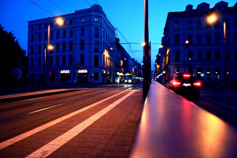 Abendlicht im Ranstädter Steinweg. Foto: Ralf Julke