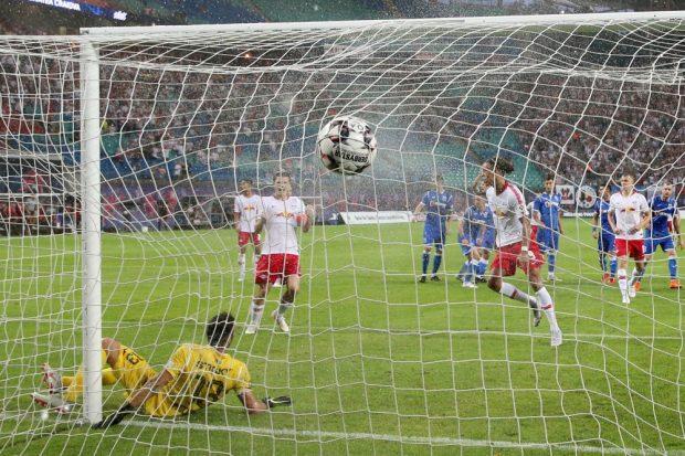 In der 87. Minute trifft Yussuf Poulsen zum 3:0. Foto: GEPA pictures/Roger Petzsche