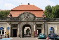 Haupteingang zum Klinikum St. Georg. Foto: Ralf Julke