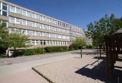 Die 91. Schule in Leipzig-Grünau. Foto: Bernd Goerne