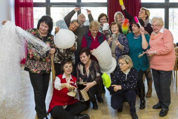"""Auf zum nächsten Stück: """"Die Spielfreudigen"""" begrüßen am 30. August neue Mitstreiter im Seniorenbüro Alt-West. Foto: Rolf Arnold"""