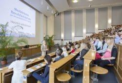 Ab dem 1.September begrüßt die Medizinische Berufsfachschule am UKL180 neue Auszubildende. Foto: Stefan Straube/UKL