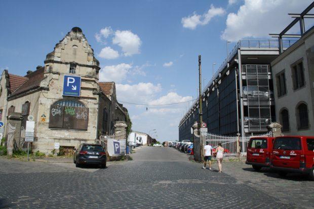 Der heutige Zugang zum alten Zollschuppengelände. Foto: Ralf Julke